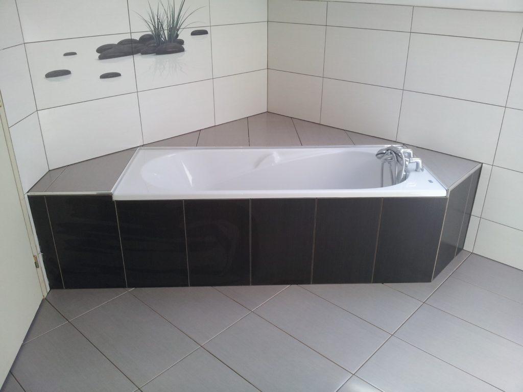 réalisations-1-salle-de-bain-noir-blanc-baignoire-fabrice-barp-meillac